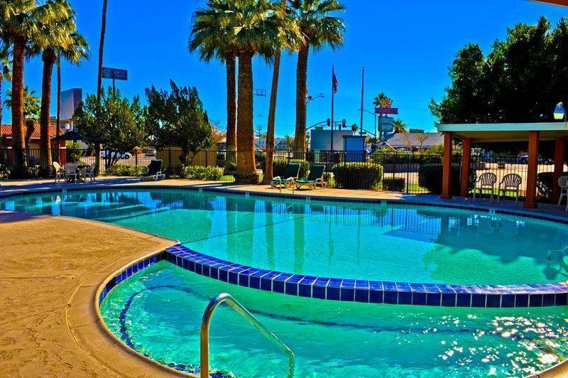 Best Western Sahara Pool