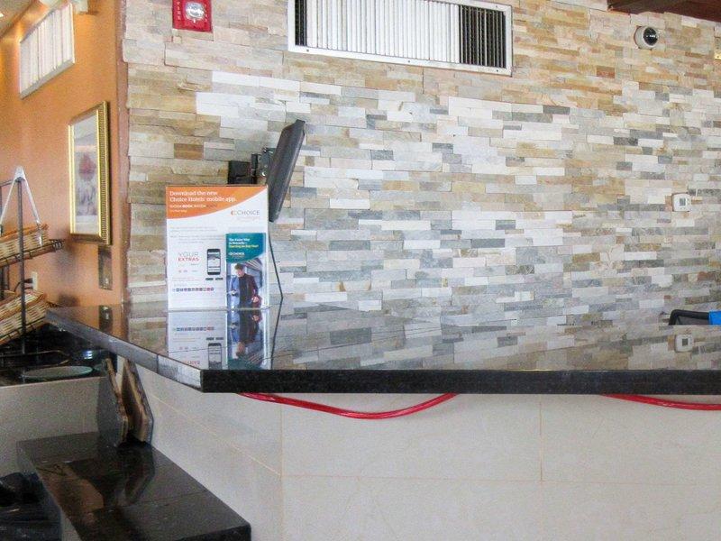 Rodeway Inn & Suites Denver Lounge/Empfang