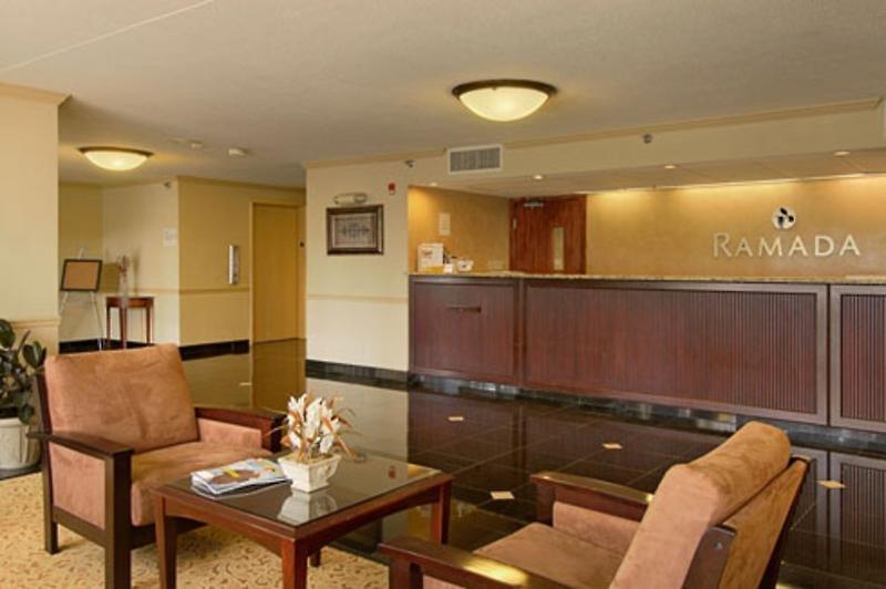 Ramada Dallas Love Field Airport Lounge/Empfang