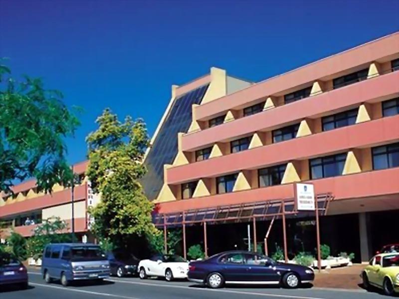 Adelaide Meridien Hotel & Apartments Außenaufnahme