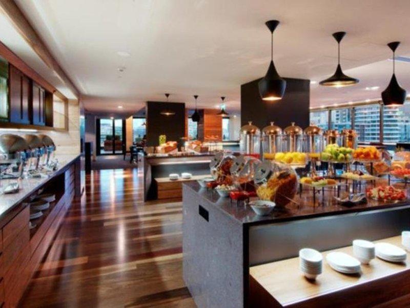 Pan Pacific Melbourne Bar