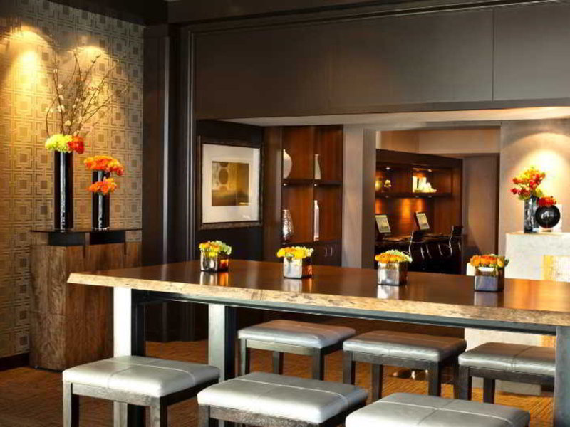 Wyndham Grand Chicago Riverfront Bar