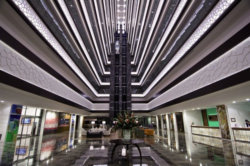 Ramada Plaza AntalyaLounge/Empfang
