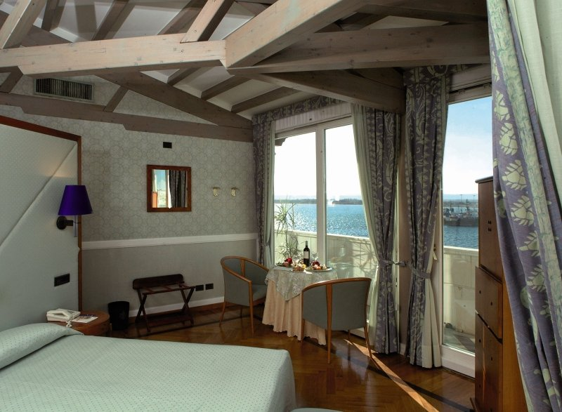 Grand Hotel Ortigia SiracusaWohnbeispiel