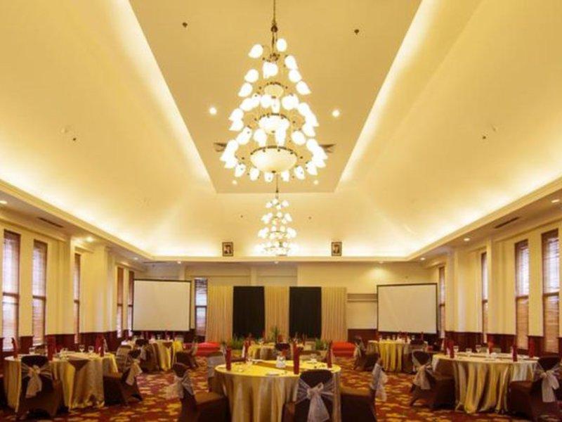 Arion Swiss-Belhotel Bandung Konferenzraum