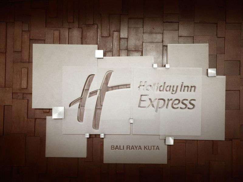 Holiday Inn Express Bali Raya Kuta Konferenzraum