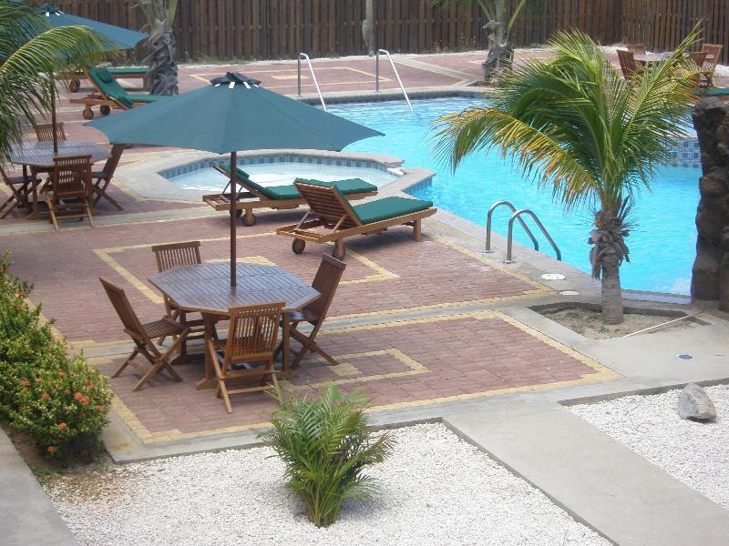 Del Rey Apartments Pool