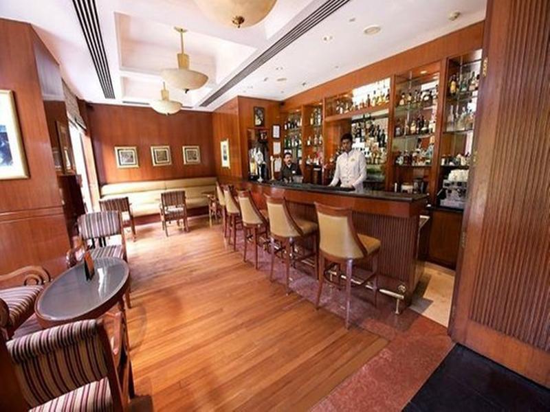 Sheraton New Delhi Bar