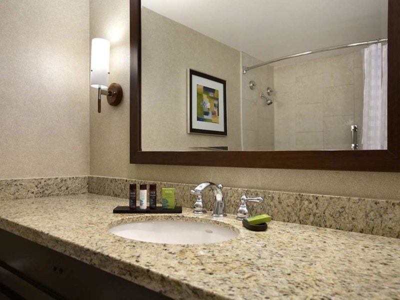 Embassy Suites by Hilton Irvine Orange County Airport Badezimmer