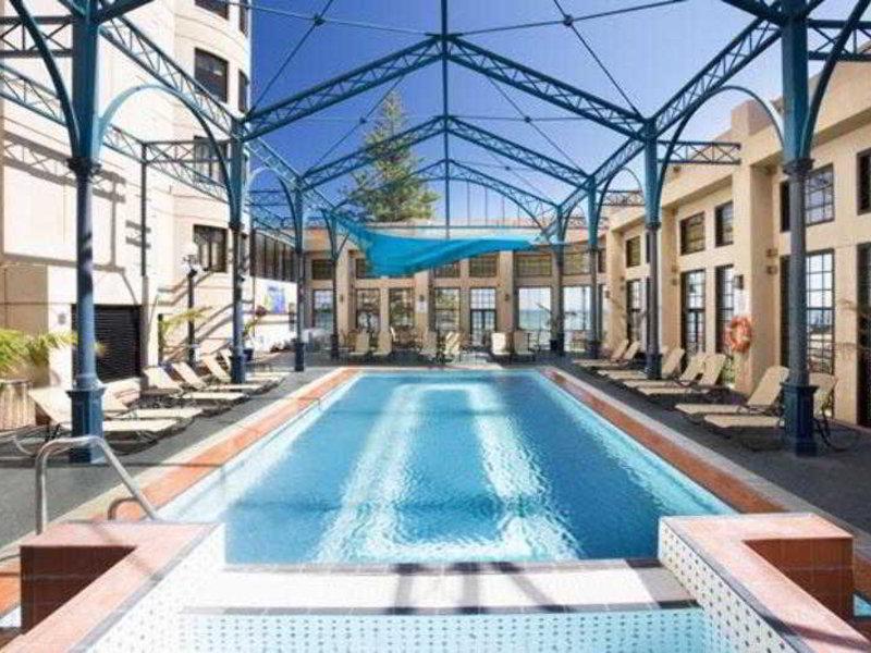 Stamford Grand Adelaide Pool