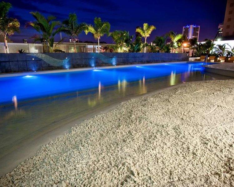 Wyndham Surfers Paradise Pool