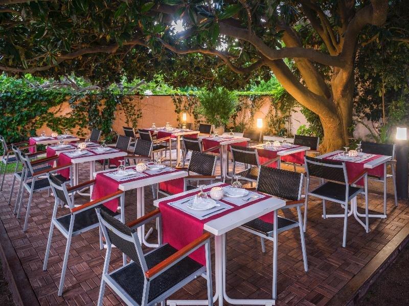 Sorrabona Hotel & Apartments Restaurant
