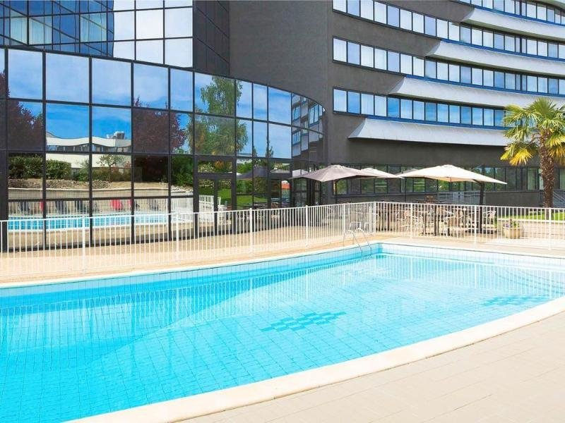 Novotel Poitiers Site du Futuroscope Pool