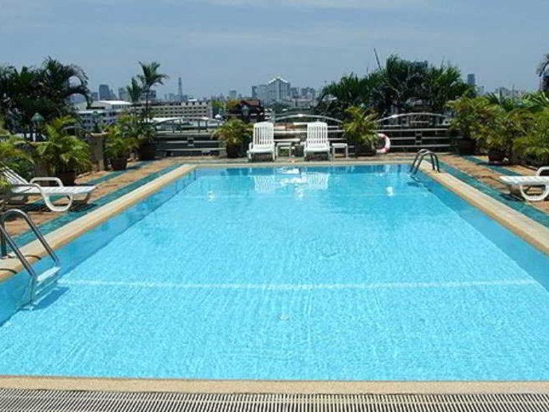 Royal Suite Hotel Bangkok Pool
