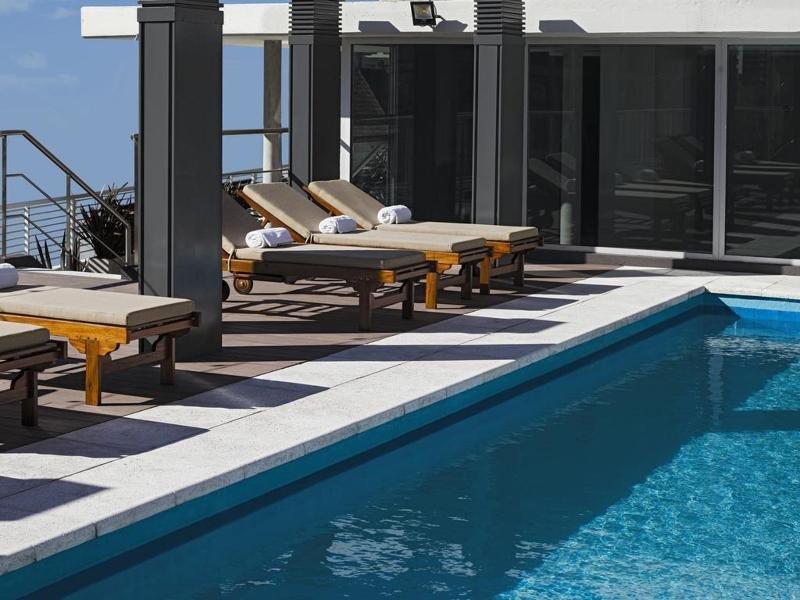 Dazzler Polo Pool