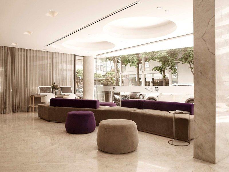 Dazzler Polo Lounge/Empfang