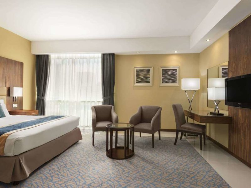 Howard Johnson Hotel Abu Dhabi Wohnbeispiel