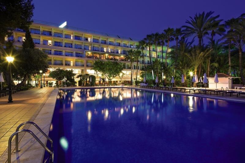 THB Los Molinos Class - Erwachsenenhotel ab 18 JahrenPool