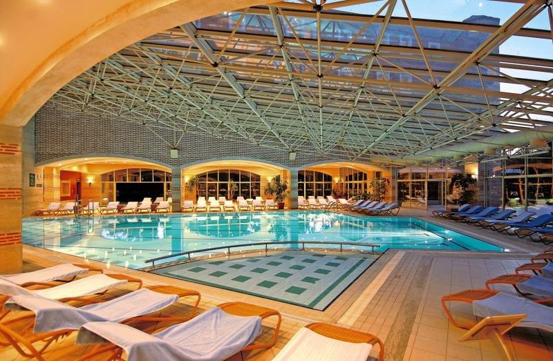 Club Mega SarayHallenbad