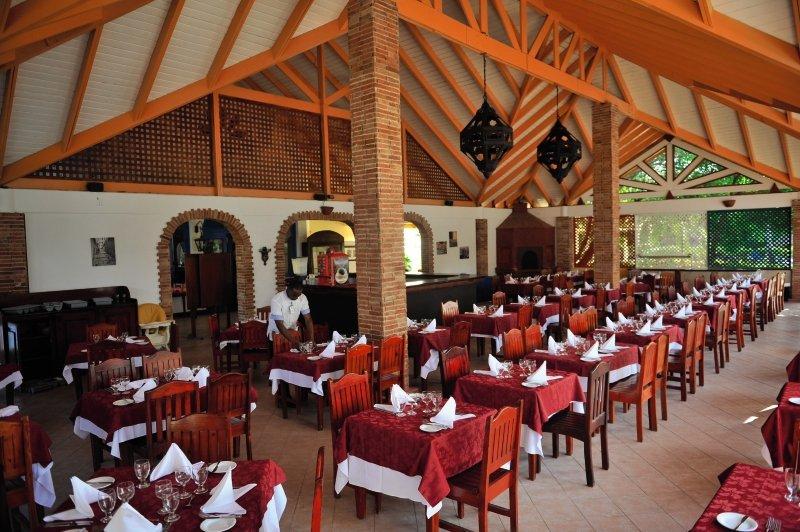 Vik Arena Blanca & Cayena BeachRestaurant