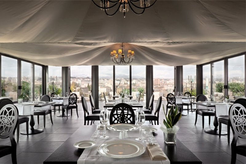 Una PalaceRestaurant