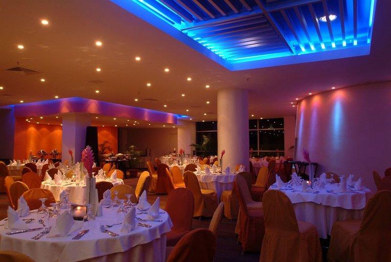 Radisson Decapolis Restaurant