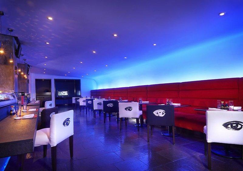 Radisson Decapolis Bar