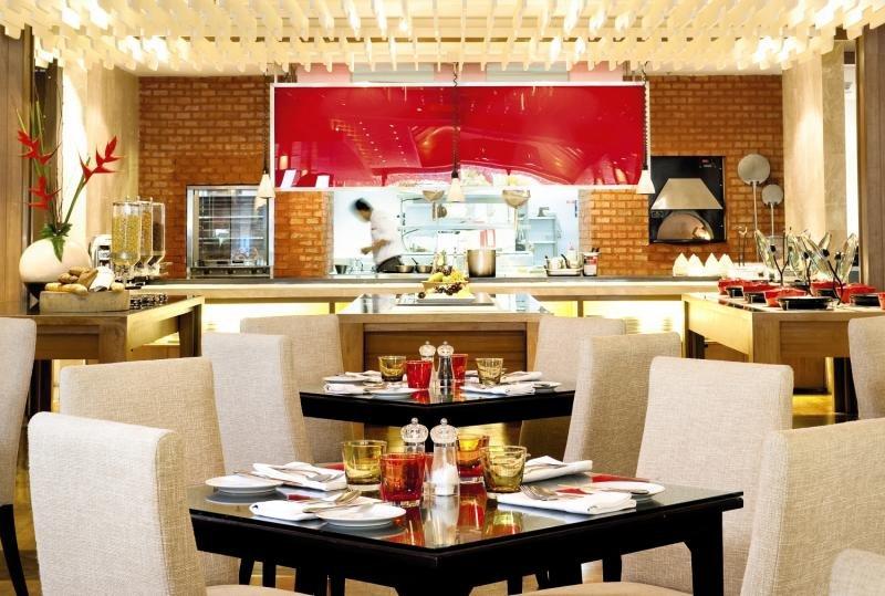 Novotel Phuket Surin Beach ResortRestaurant