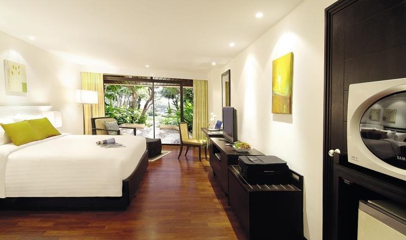 Novotel Phuket Surin Beach ResortLounge/Empfang