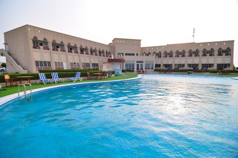 Masira Island Resort Pool