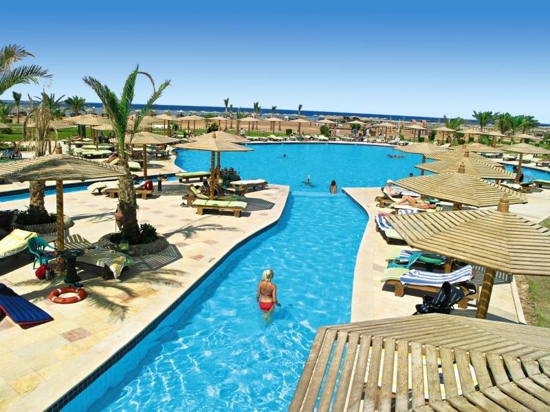 Long Beach Resort  Strand