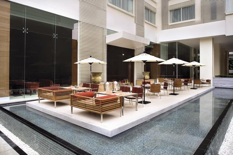 Courtyard by Marriott Bangkok Restaurant