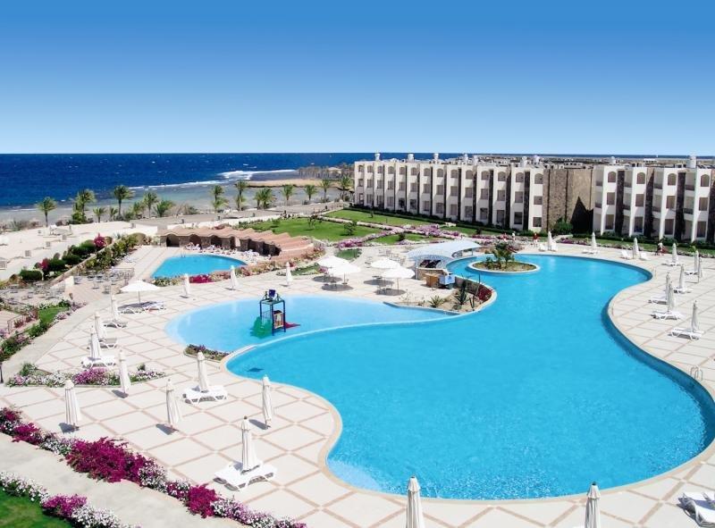 Royal Brayka Resort Pool