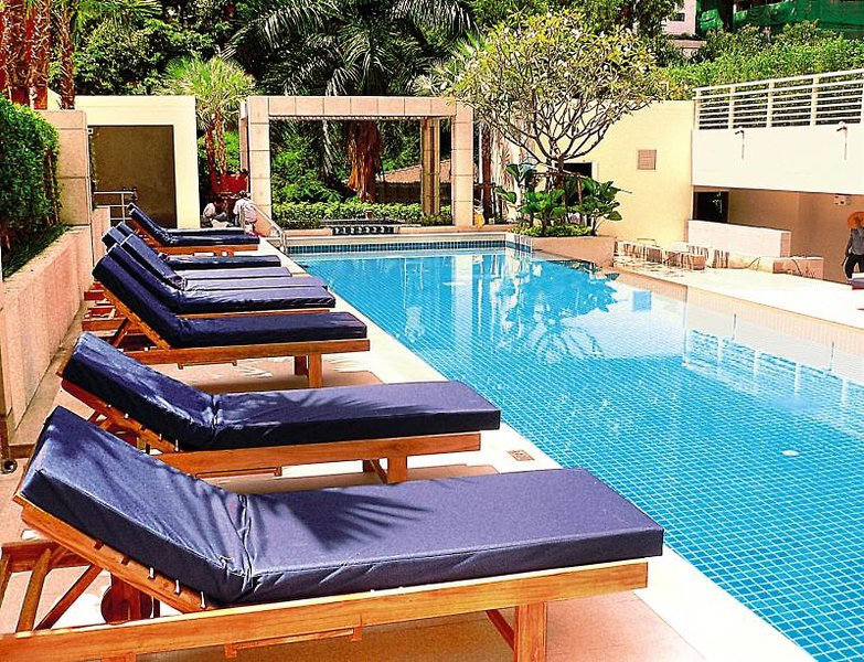 Courtyard by Marriott Bangkok Pool