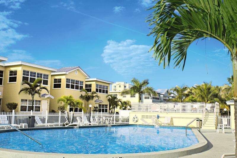 Barefoot Beach Resort Pool