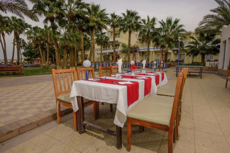 Empire Beach Resort  Terrasse
