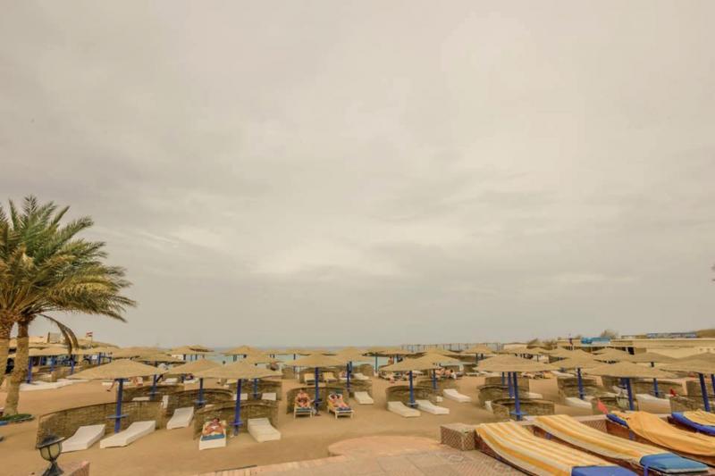 Empire Beach Resort  Strand