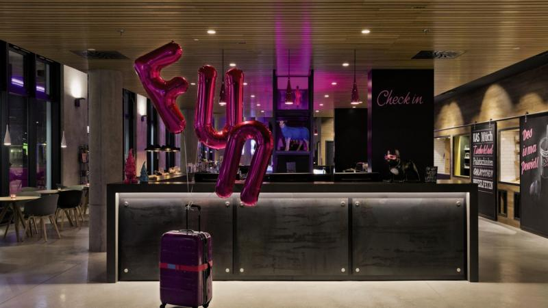 MOXY Vienna Airport Bar
