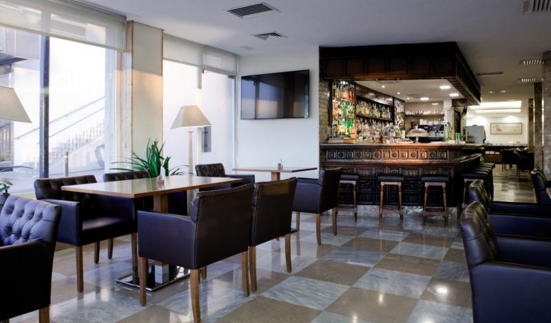 Mirador Bar