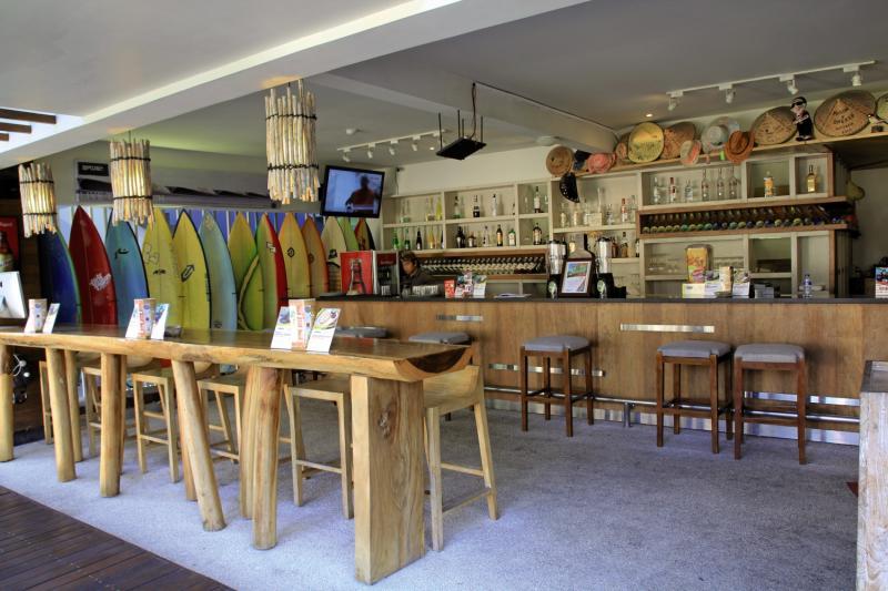 Bliss Surfer Hotel Bar