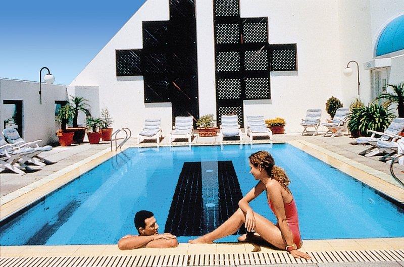 Mercure Perth Pool