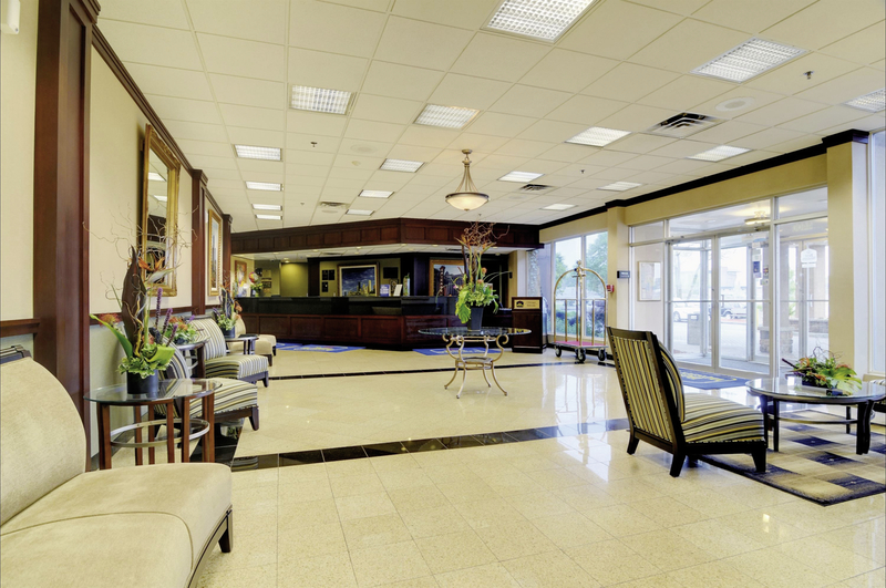 Best Western Plus Chicago Hillside Lounge/Empfang