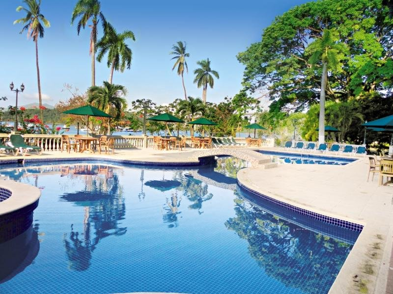 Radisson Hotel Panama Canal  Pool