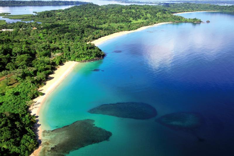 Red Frog Beach Island Resort & Spa Landschaft