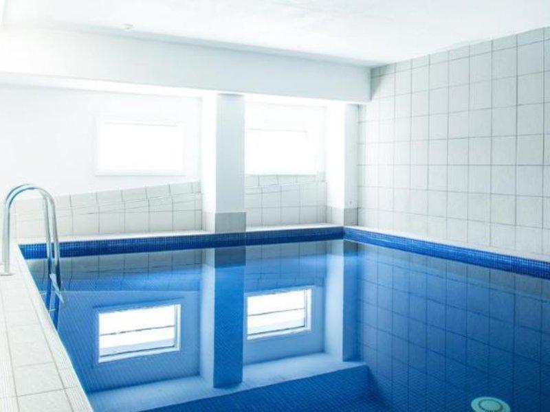 Mantra on Northbourne Pool
