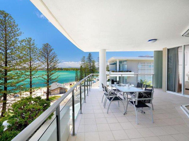 Rumba Beach Resort Terrasse
