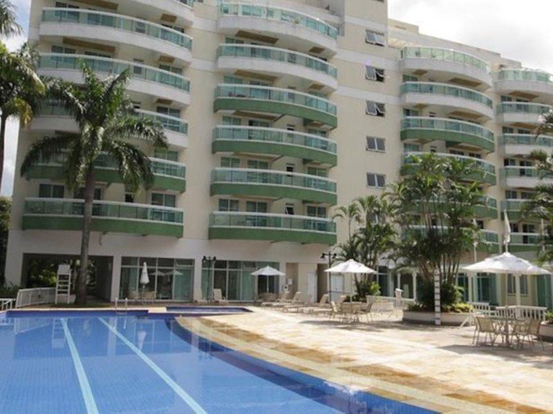 Promenade Paradiso All Suites Pool
