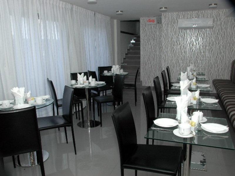 Palm Beach Plaza Hotel Restaurant