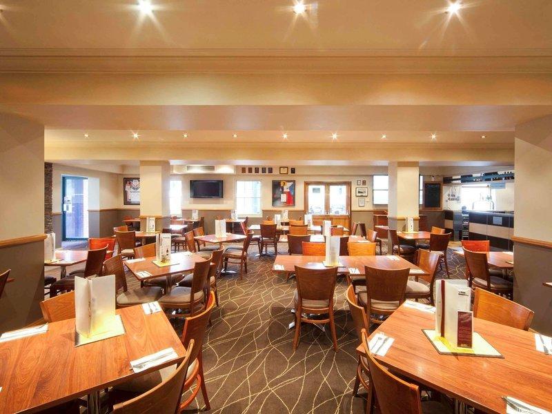 Mercure Canberra Restaurant