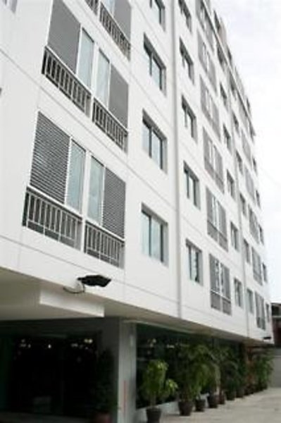 Centric Place Hotel Außenaufnahme